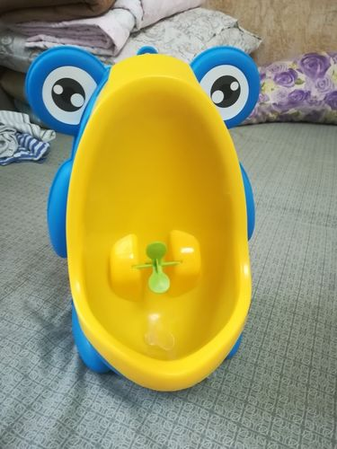 Sabastian Engel review of Frog Toilet
