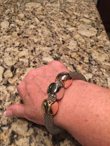 Laura G. review of Cube Charms Metal Bracelet