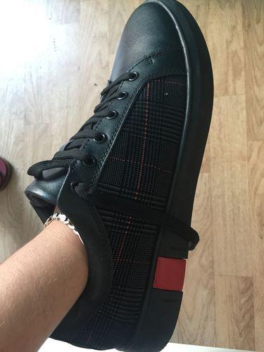 Noir Deluxe Sneakers