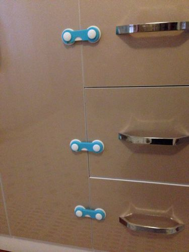 Hassie Dailey review of Baby Safety Locks Set