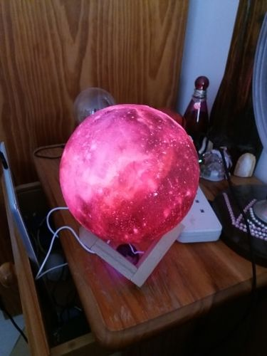 Dina William review of Galaxy Print Moon Lamp
