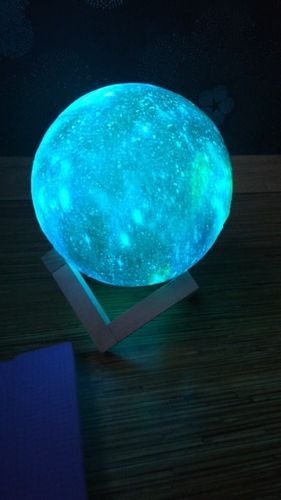 Travis Wicks review of Galaxy Print Moon Lamp