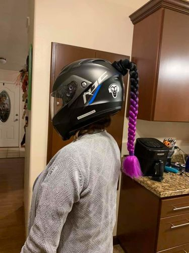 Charles T. review of Helmet Ponytail