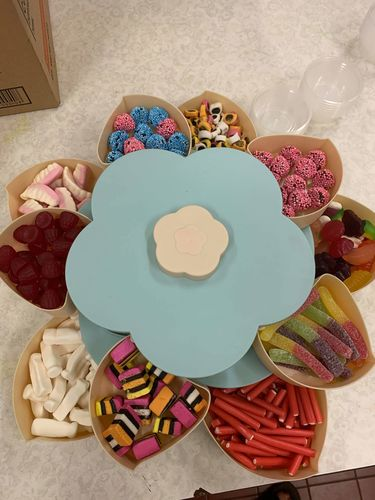 Roslyn P. review of Flower Bloom Snack Box