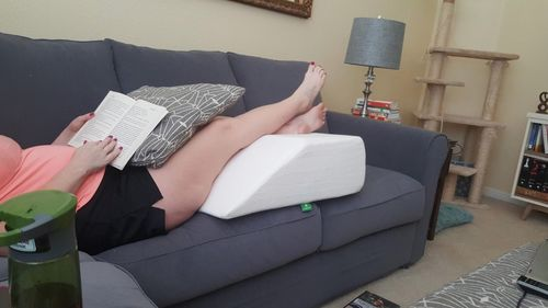 Emily j. review of Leg Lift Pillow