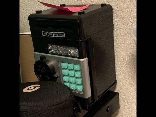 PIGGY BANK DEPOSIT BOX - CASH   COINS SAVINGS 9dd31028883d