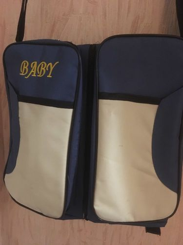 D***a review of T3-Travel BabyBag. Multi-function portable Travel Bed. Great Cradle  For Newborns. Also  Changing Diapers.  Awesome Newborn Crib.