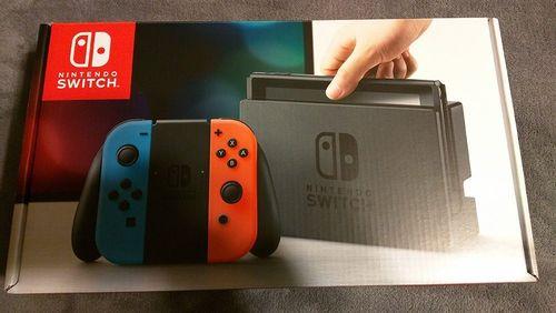 c12ef9b26 Consola Nintendo Switch - Edición Estándar - Importado - Neón Rojo/Azul