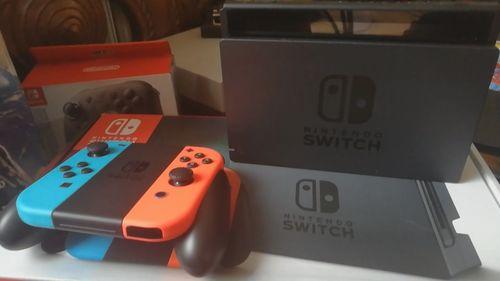 1314c4906 Consola Nintendo Switch - Edición Estándar - Importado - Neón Rojo/Azul.