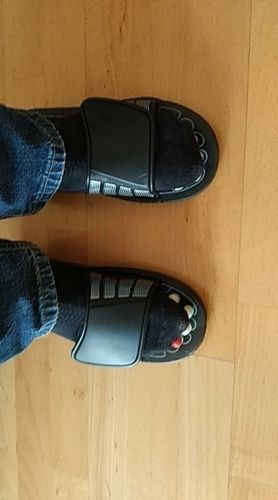 Anton  . review of Comfortable Medical Slippers