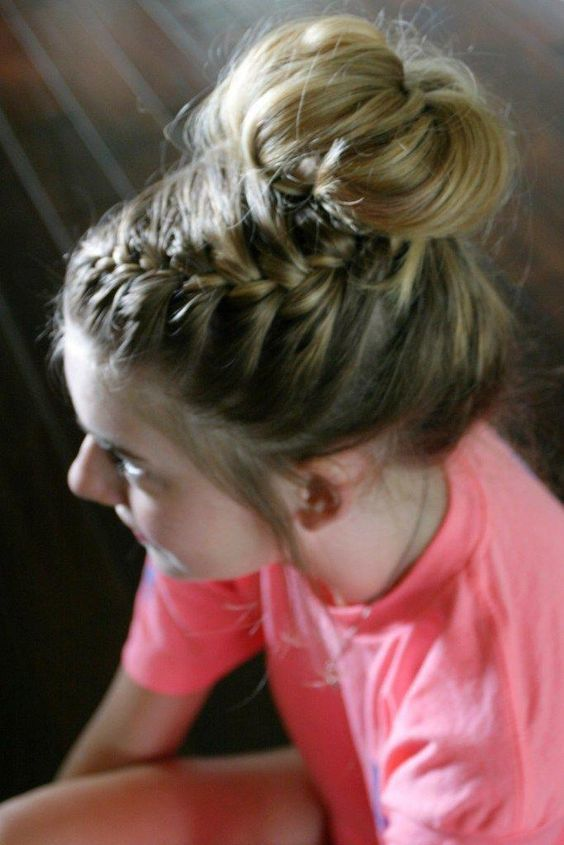 laura review of Vizella™ Hair Bun Maker (1+1 FREE)