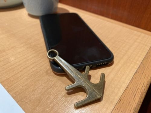 Talina B. review of 【BUY 2 GET 1 FREE & BUY 3 GET 2 FREE】Anchor Retro Magnetic Phone Holder