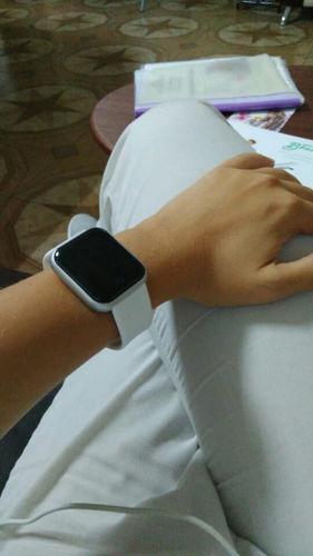 Mirella A. review of Smartwatch Y68 D20 Relógio Inteligente