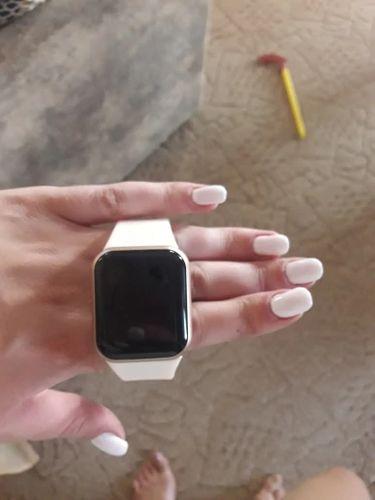 Laura R. review of Smartwatch Y68 D20 Relógio Inteligente
