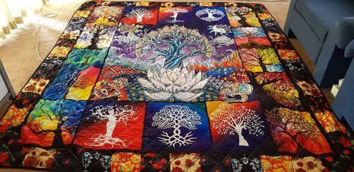 Sky T. review of Tree of Life Quilt Ph1003