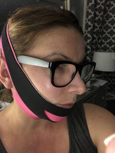 Amber R. review of Face Bra® - The original face belt