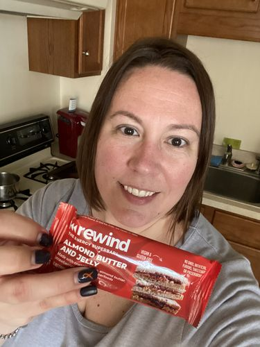 Kelly D. review of Almond Butter & Jelly (Box of 12 Superbars)