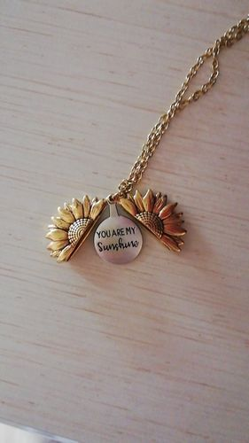 I***g review of Sunflower Necklace Pendant You Are My Sunshine