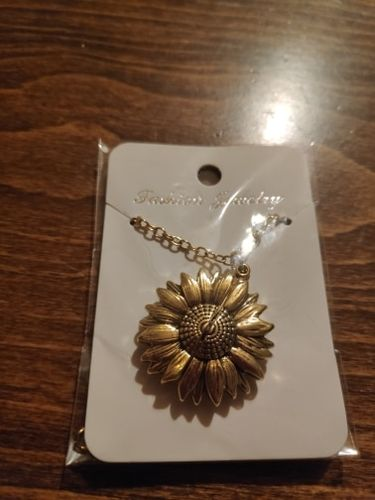 K***v review of Sunflower Necklace Pendant You Are My Sunshine