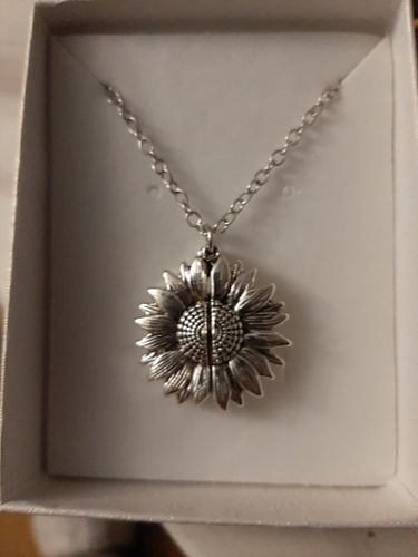 S***r review of Sunflower Necklace Pendant You Are My Sunshine