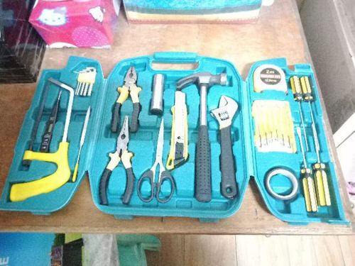 Angie R. review of Brekky's 27-PC Set Tool Kit