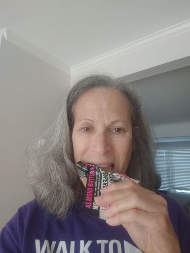 Lucie G. review of Almond Butter & Jelly (Box of 12 Superbars)