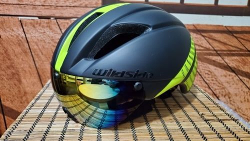 Aero cycling Wildside helmet with lens – JAGBargain